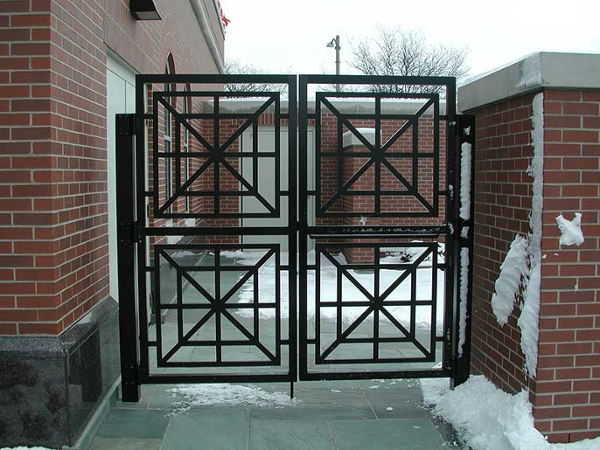 Architectural aluminum gate fabricated using 1